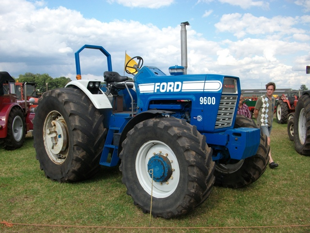 ford super major tractor with 4873 on Watch additionally 4873 besides Stuurbekrachtigingsset Danfos Type Detail furthermore Watch as well Fordson Power Major And Conversions.