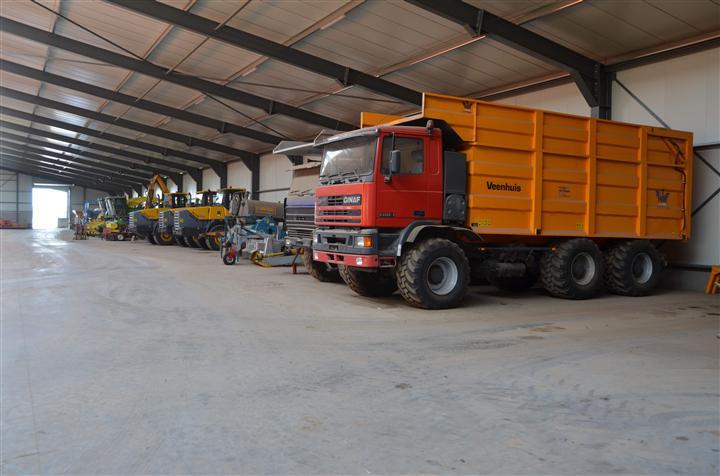 custom 6x6 trucks